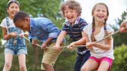 Nas férias da garotada, prevenção de acidentes e traumas oculares começa em casa