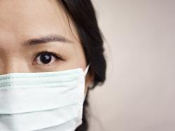 Uso prolongado de máscaras pode provocar olho seco e lacrimejamento