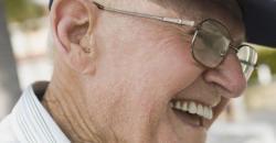 Envelhecimento saudável: cuidar da visão e da audição pode retardar o processo de declínio cognitivo
