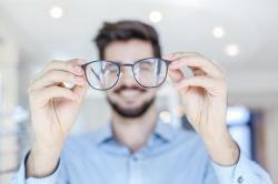 Combinar terapias controla a miopia, diz estudo