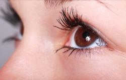 """""""Nanogotas"""" reparadoras de córneas logo poderão substituir os óculos"""